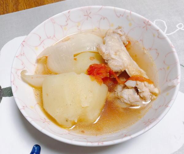 チキンとじゃがいものトマトスープ煮